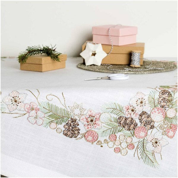 Rico Design Stickpackung Decke Christrosen 90x90cm