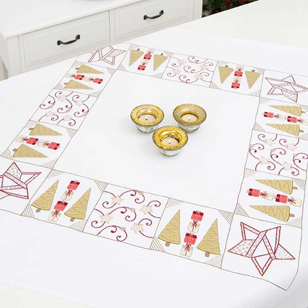 Rico Design Stickpackung Decke Weihnachtspatchwork 90x90cm