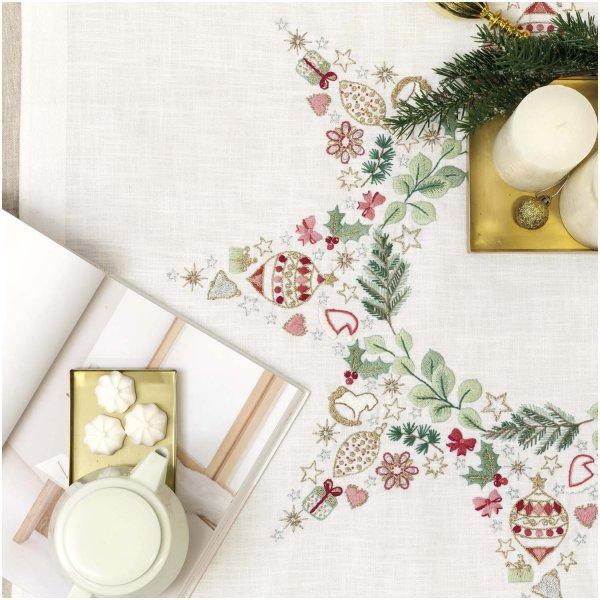 Rico Design Stickpackung Decke Stern Weihnachtsmotive 90x90cm